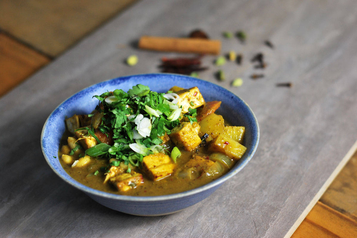 Curries of the World - Curry is always a favourite. Explore how to make a variety of curries